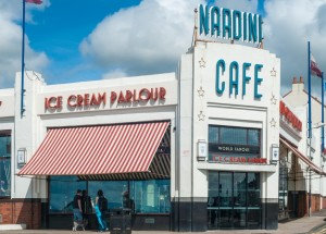 _media_64316_1561 331 Ayrshire, Largs, Nardini, Ice Cream, Exterior